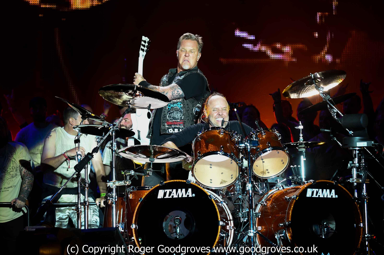 Metallica apologises to tribute band - DZ